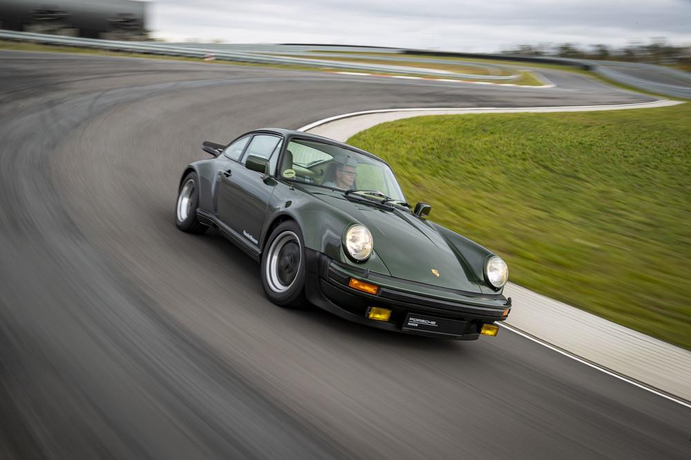 Drag Race: Όλες οι γενιές του Porsche 911 Turbo [video]