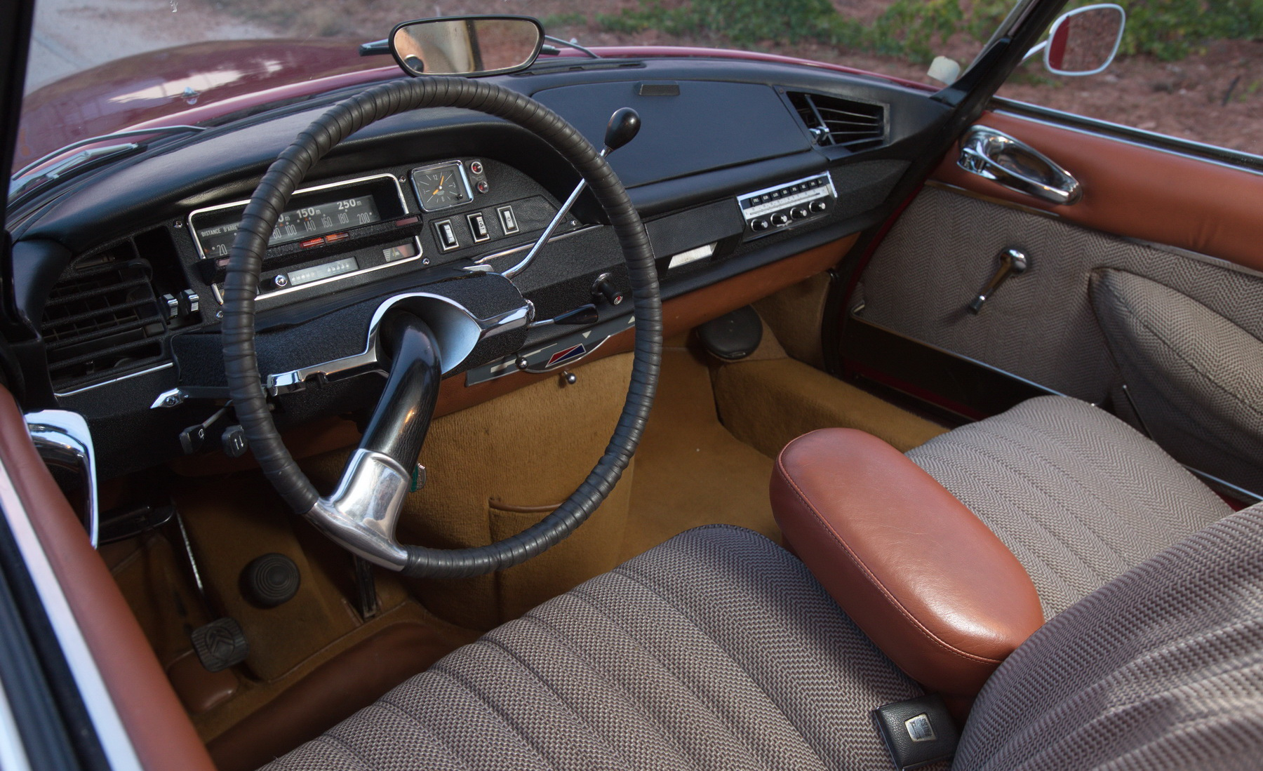 Citroen DS21 interior