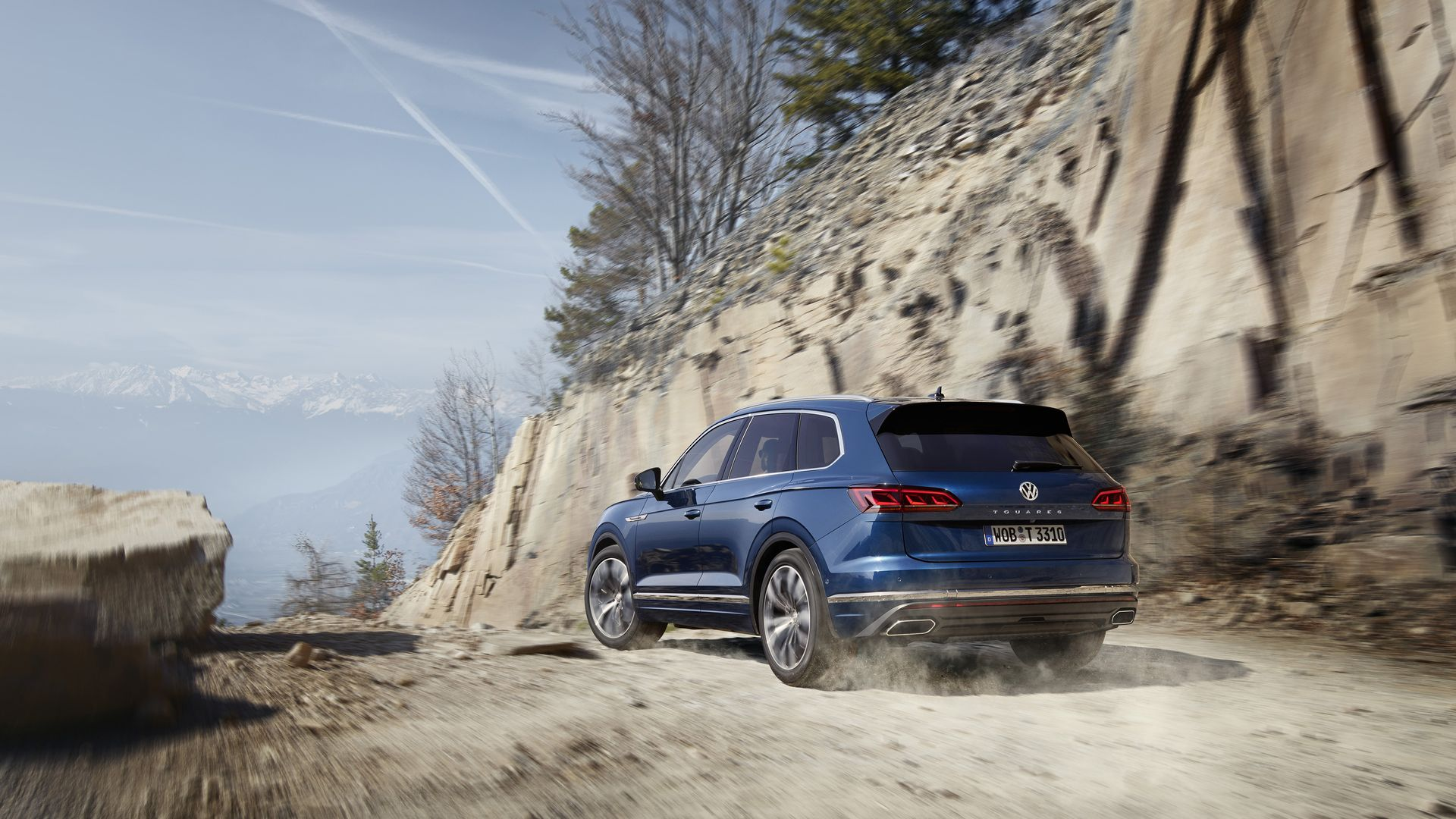 VW Touareg off road