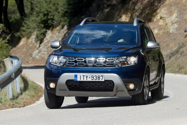 Dacia Duster_cornering