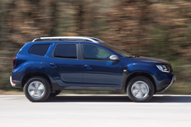 Dacia Duster_side