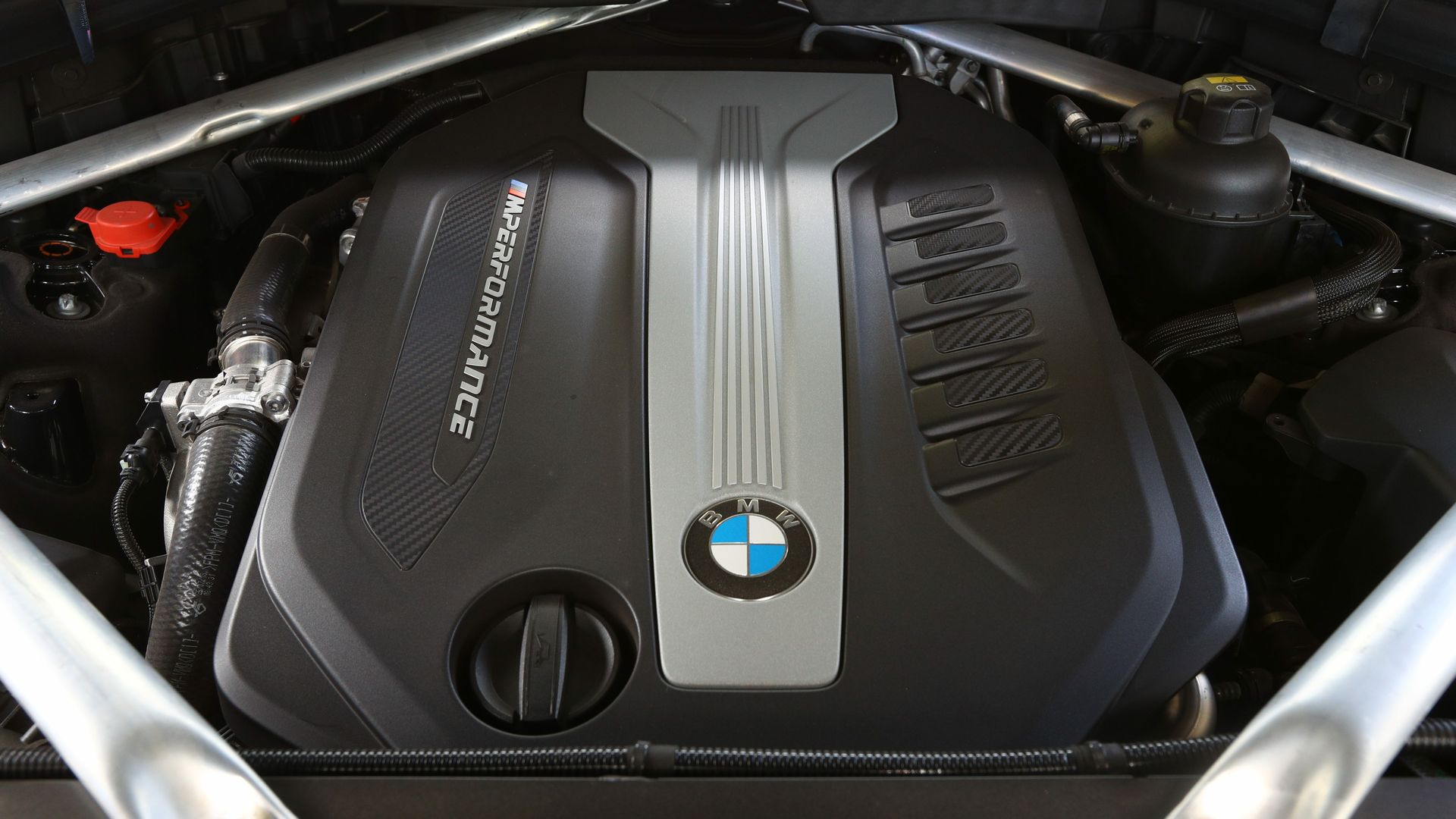 BMW X7 M50d Engine