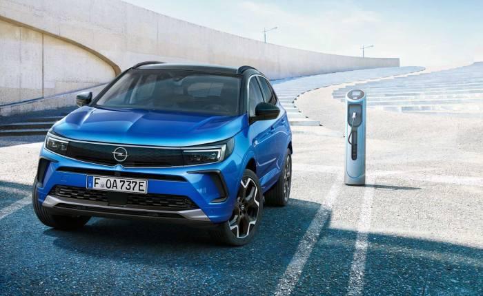 Opel: Ανανέωση και περισσότερη τεχνολογία για το Grandland (pics)